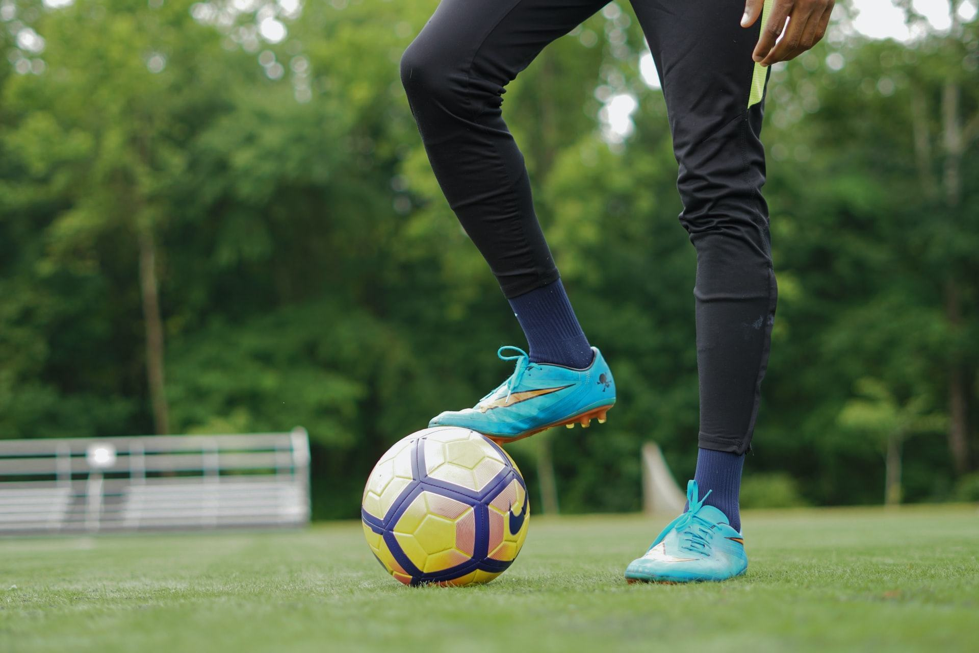Some questions about the best soccer cleat