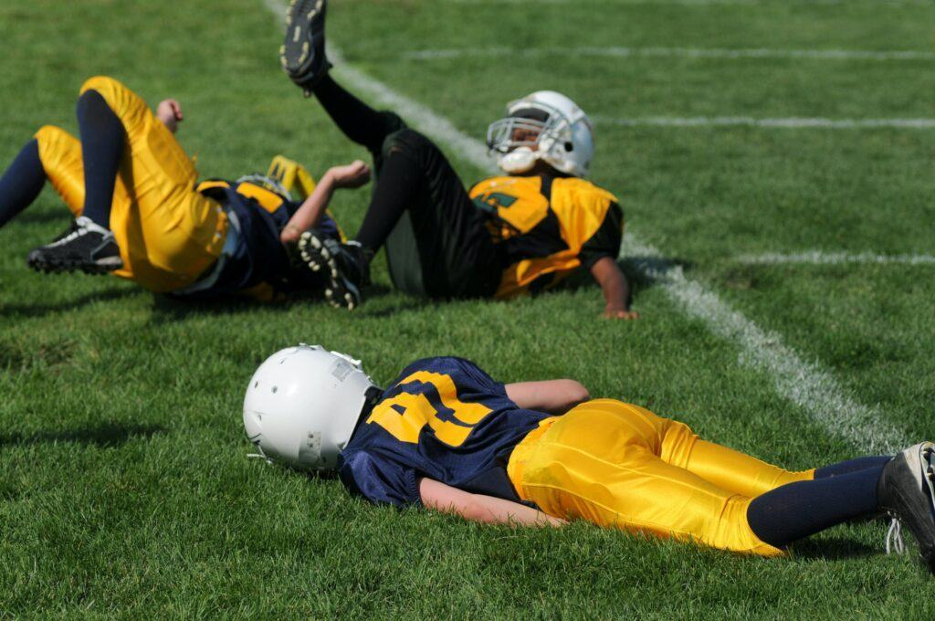 Can your position affects the football shoulder pads