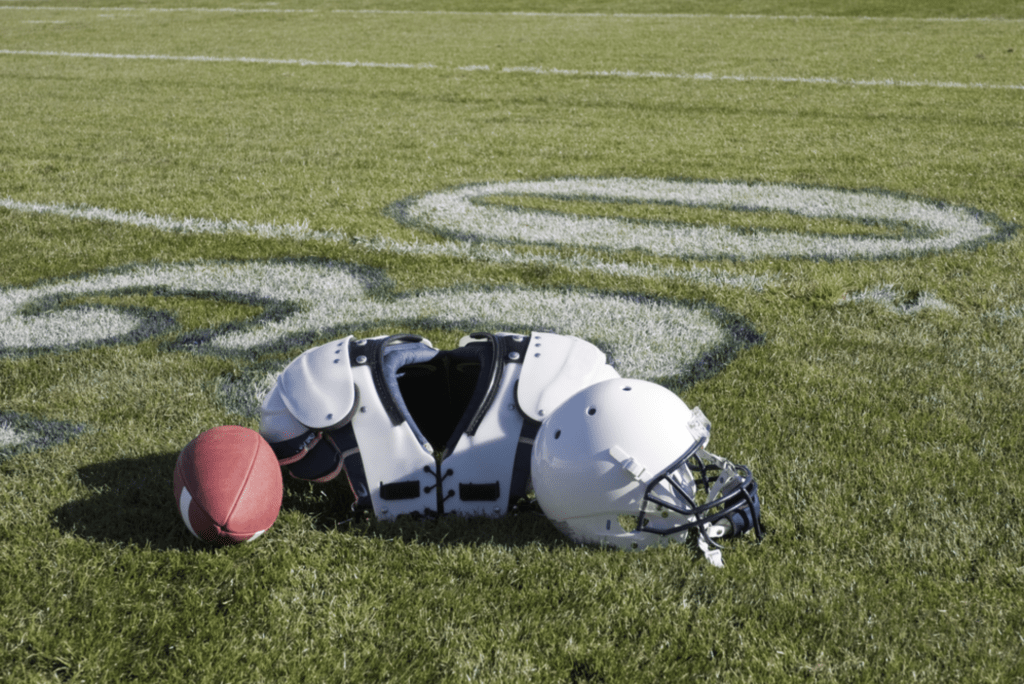Football shoulder pads buying guides