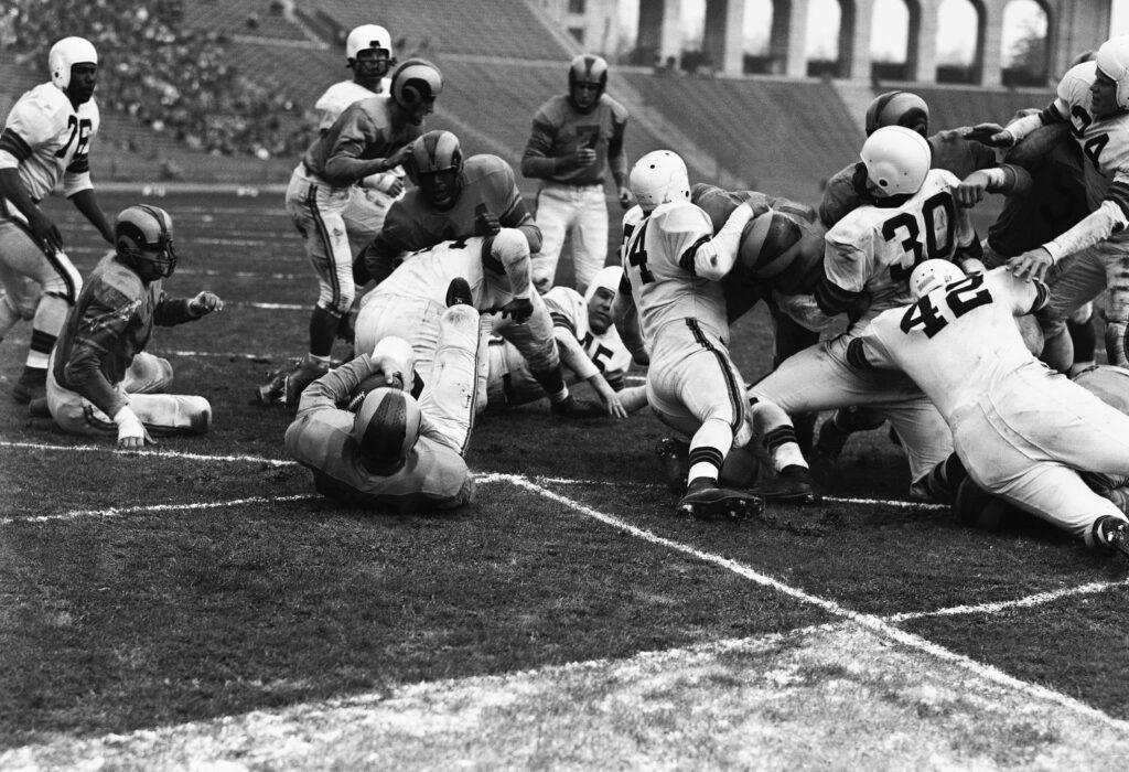 The history behind 8 original NFL teams