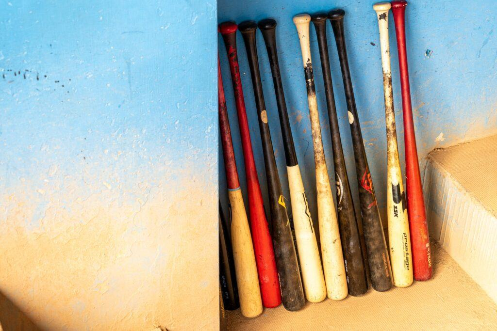 Some questions about the slow pitch softball bats