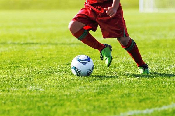 how to dribble a soccer ball scottfujita