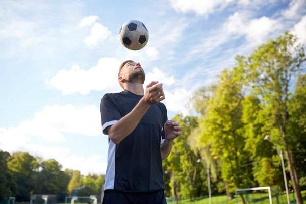 how to juggle a soccer ball scottfujita 2