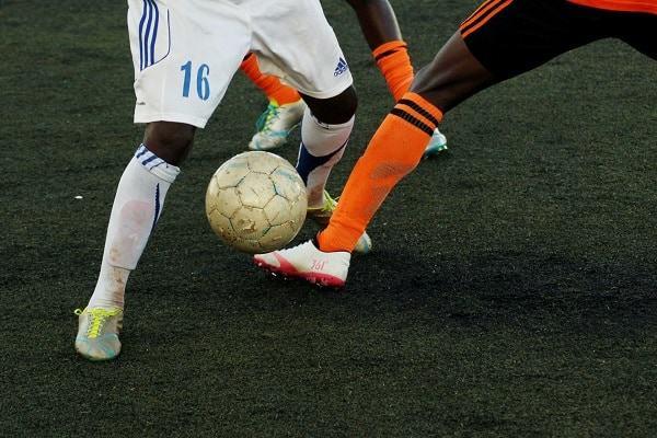 how to kick a soccer ball scottfujita