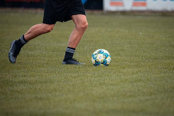 how to kick a soccer ball scottfujita 3
