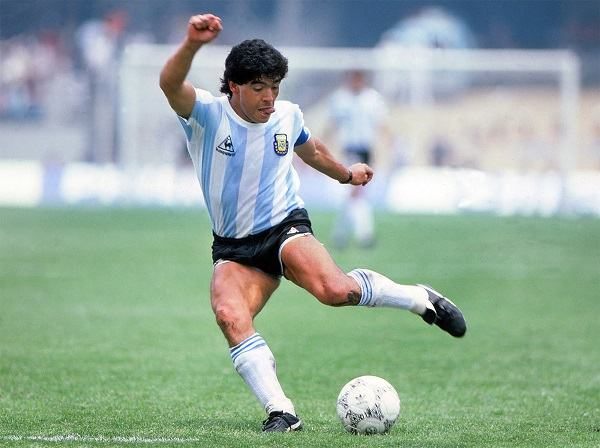 top 10 soccer players of all time scottfujita