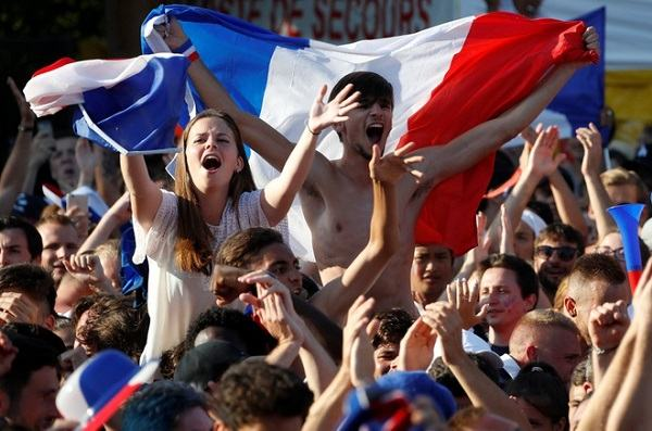 where is soccer most popular scottfujita 1