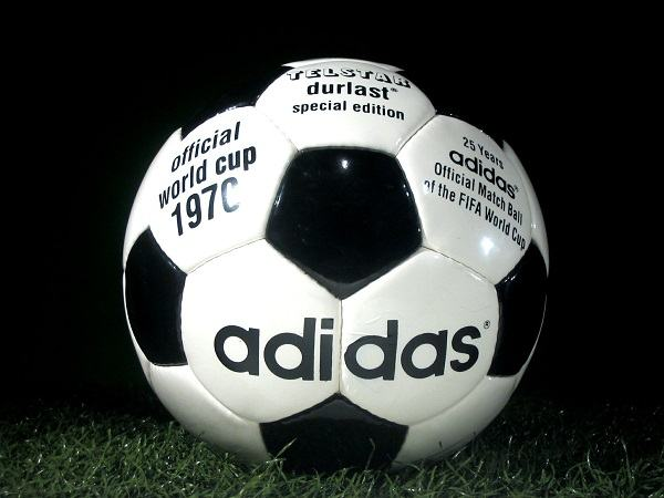 why are soccer balls black and white scottfujita 2