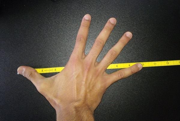 tom brady hand size scottfujita 3