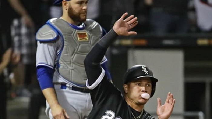 bubble gum baseball scottfujita 2