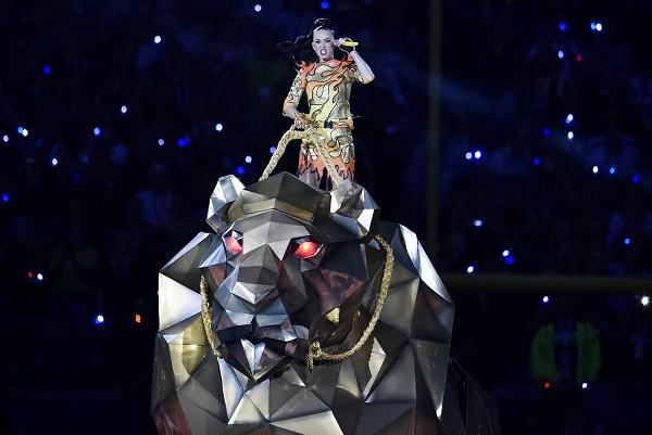 who was the headliner of the first super bowl halftime show scottfujita 3
